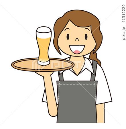 女性 ウエイトレス ビールを運ぶ 41512220