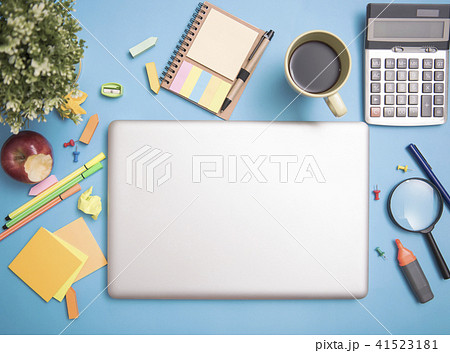computer laptop on desktop and school stationeryの写真素材 41523181