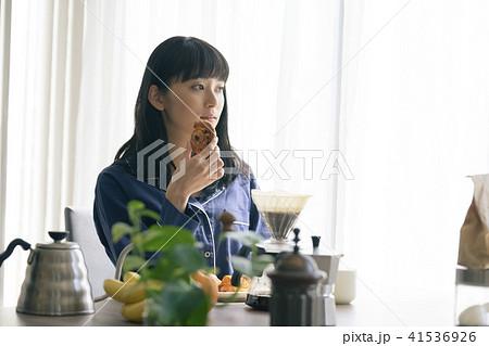 女性 ライフスタイル 朝食 41536926