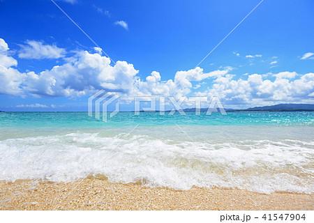 美しい沖縄のビーチと夏空 41547904