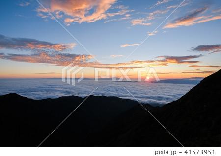 山上の夜明け(御来光) 41573951
