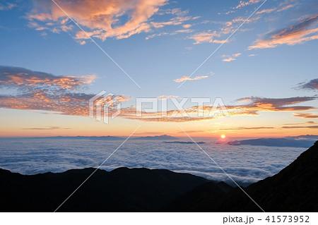 山上の夜明け(御来光) 41573952