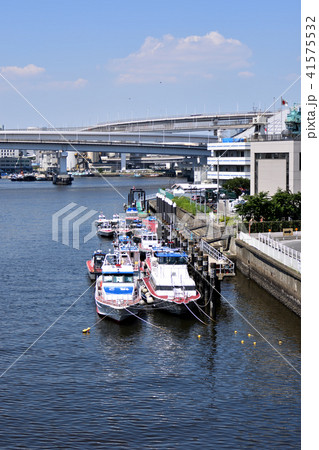 品川埠頭に係留されている警視庁東京湾岸警察署の警備艇 41575532
