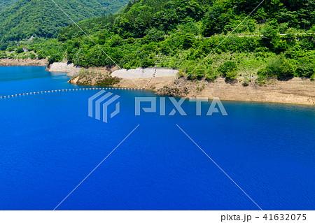 四万ブルーと呼ばれる四万川ダム 41632075