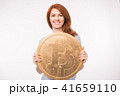ビットコイン 女性 通貨の写真 41659110