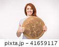 ビットコイン 女性 通貨の写真 41659117
