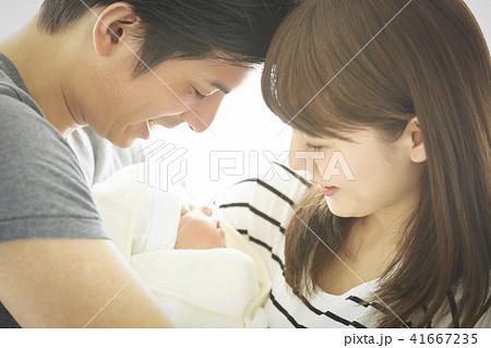赤ちゃん 子育て 41667235