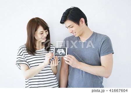 夫婦 妊娠 41667604