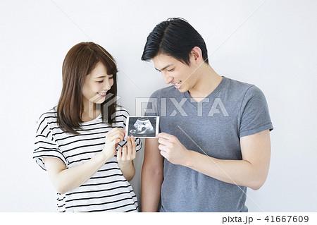 夫婦 妊娠 41667609