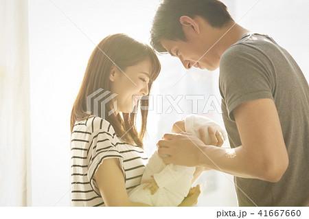 赤ちゃん 子育て 41667660