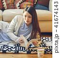 女性 大学生 読書の写真 41674143
