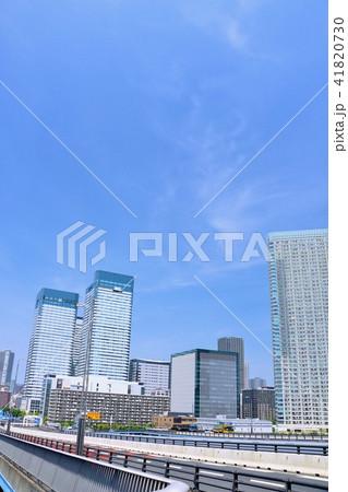 東京 青空の都会風景 41820730
