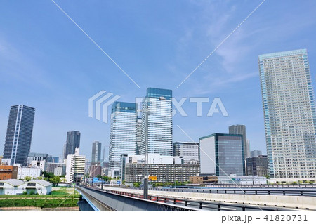 東京 青空の都会風景 41820731