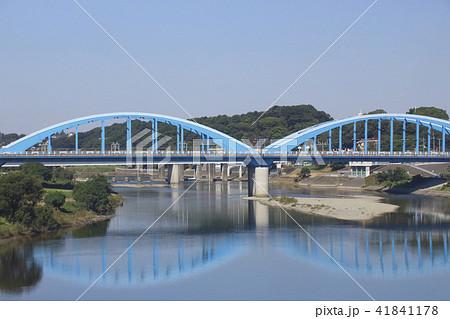 東海道新幹線から眺める、多摩川・丸子橋の写真素材 [41841178] - PIXTA