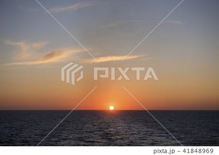 オホーツク海の日の出 41848969