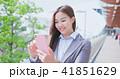 携帯 携帯電話 女性の写真 41851629