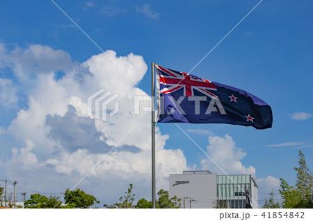 ニュージーランド国旗と青空 41854842
