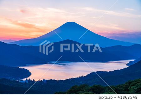 《神奈川県》箱根大観山から富士山夕景 41863548