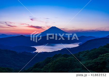 《神奈川県》箱根大観山から富士山夕景 41863552