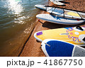 ビーチ 浜辺 サーフボードの写真 41867750