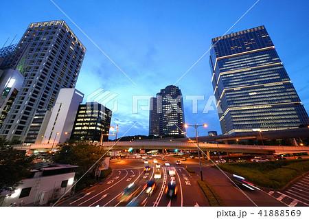 日本の東京都市景観 赤坂見附陸橋などを望む(夜景) 41888569