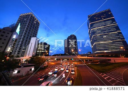 日本の東京都市景観 赤坂見附陸橋などを望む(夜景) 41888571