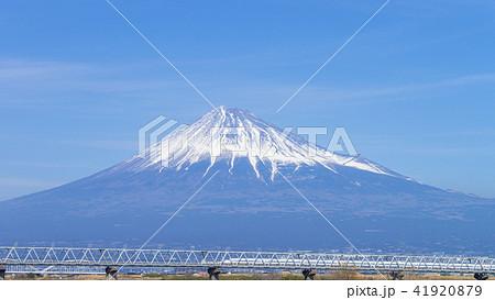 富士山と新幹線 16:9 41920879