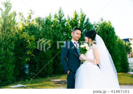 フォトウエディング 結婚 新郎新婦 41967101