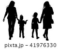 Silhouettes of young mothers with daughters 41976330