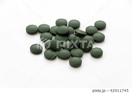 緑色の錠剤 42011745