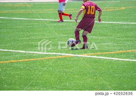 少年サッカー試合風景 42032636