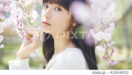 桜 ポートレート 42044052