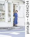 女性 買い物 ショッピングの写真 42044244