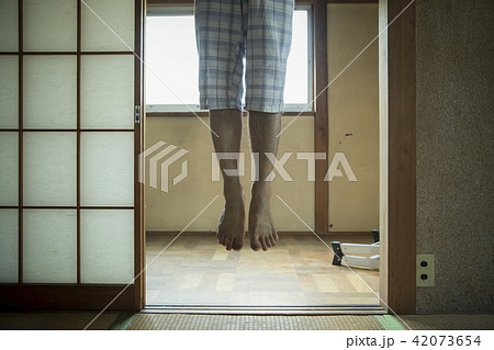 首吊り自殺イメージ 42073654