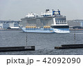 客船 クァンタムオブザシーズ 横浜港の写真 42092090