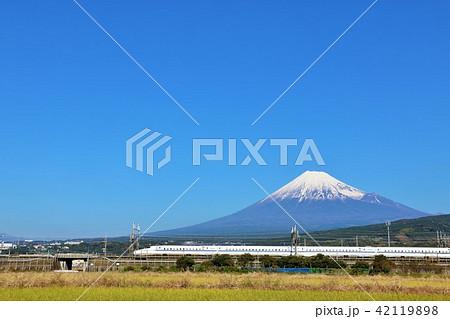 富士山と新幹線 42119898