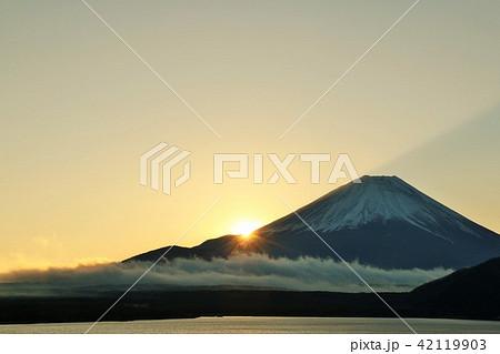 富士山と新年の光 42119903