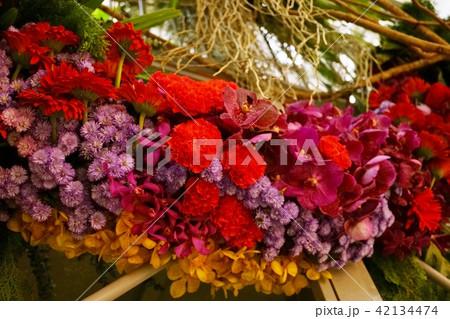 フラワーアレンジメント、お花の飾り 42134474