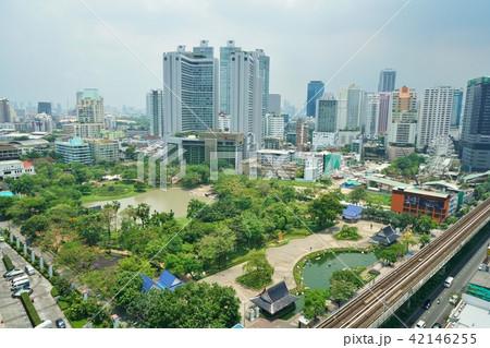 タイ王国首都バンコク、プロンポン駅周辺 42146255