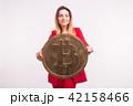 ビットコイン 女 女の人の写真 42158466