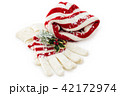 Winter hat and gloves. 42172974