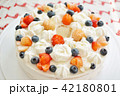 Strawberry and Blueberry Cake 42180801