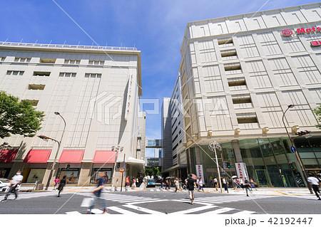 名古屋街並み 大津通スクランブル交差点から松坂屋 名古屋店を望む 42192447