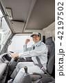 男性 トラック 運転の写真 42197502