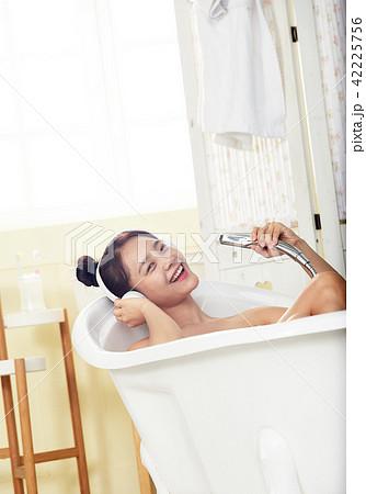 韓国人 若い女性 若い女 42225756