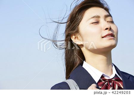 女子高生 通学 42249203