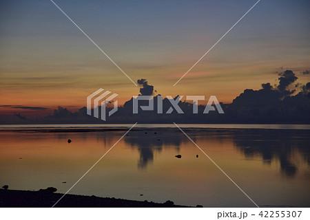 白保海岸の夜明け 42255307