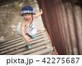 子 子供 登るの写真 42275687