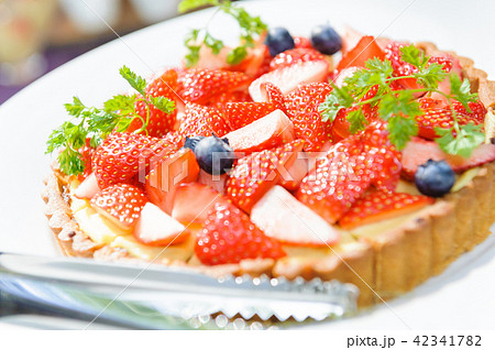 爽やかないちごタルト いちご タルト フルーツタルト フルーツケーキ いちご いちごケーキ  42341782