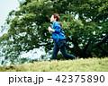 女性 運動 ジョギングの写真 42375890